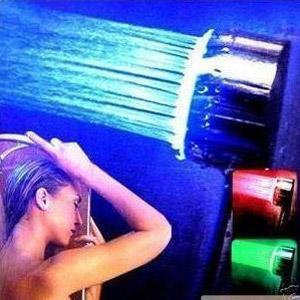 ראש מקלחת עם נורות לדים