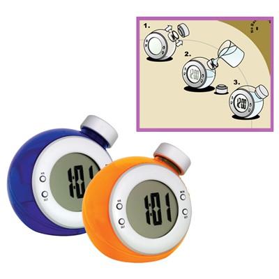 שעון שולחני מופעל על ידי אלקטרוליזה של מים