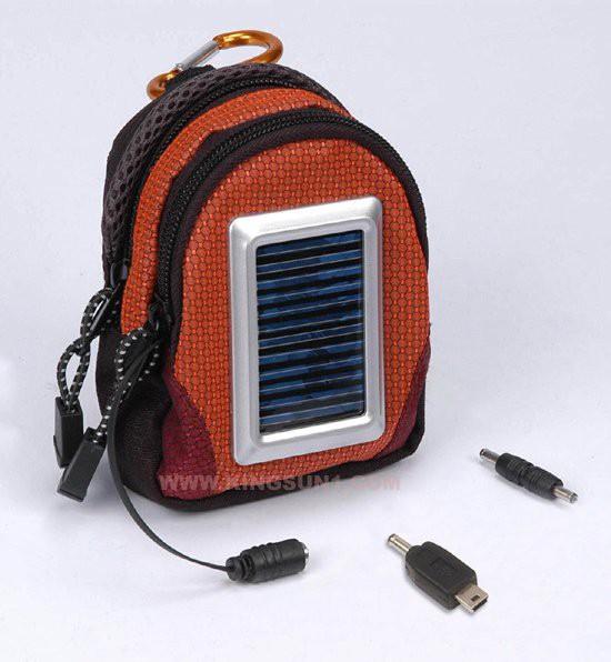 פאוץ' משולב מטען סולארי